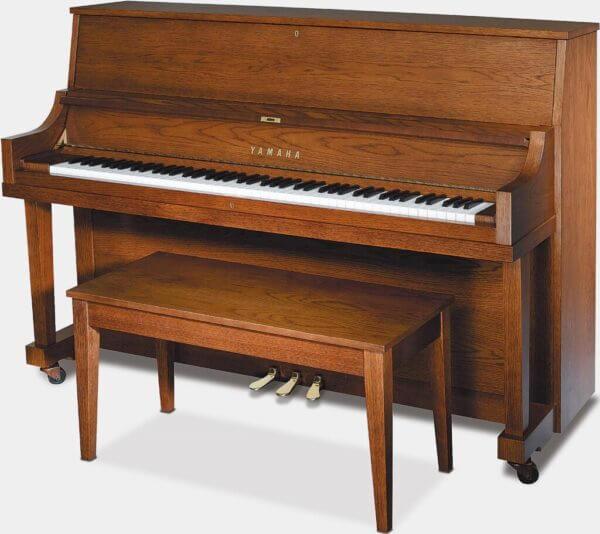 P22 Yamaha Dark Oak Piano